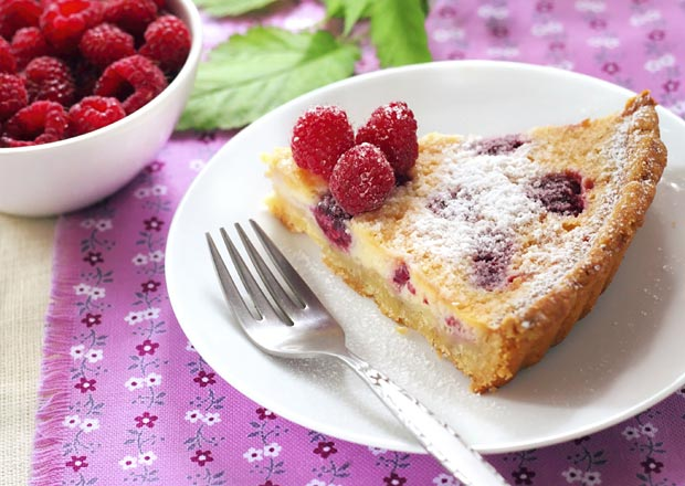 Raspeberry & Almond Slice Recipe